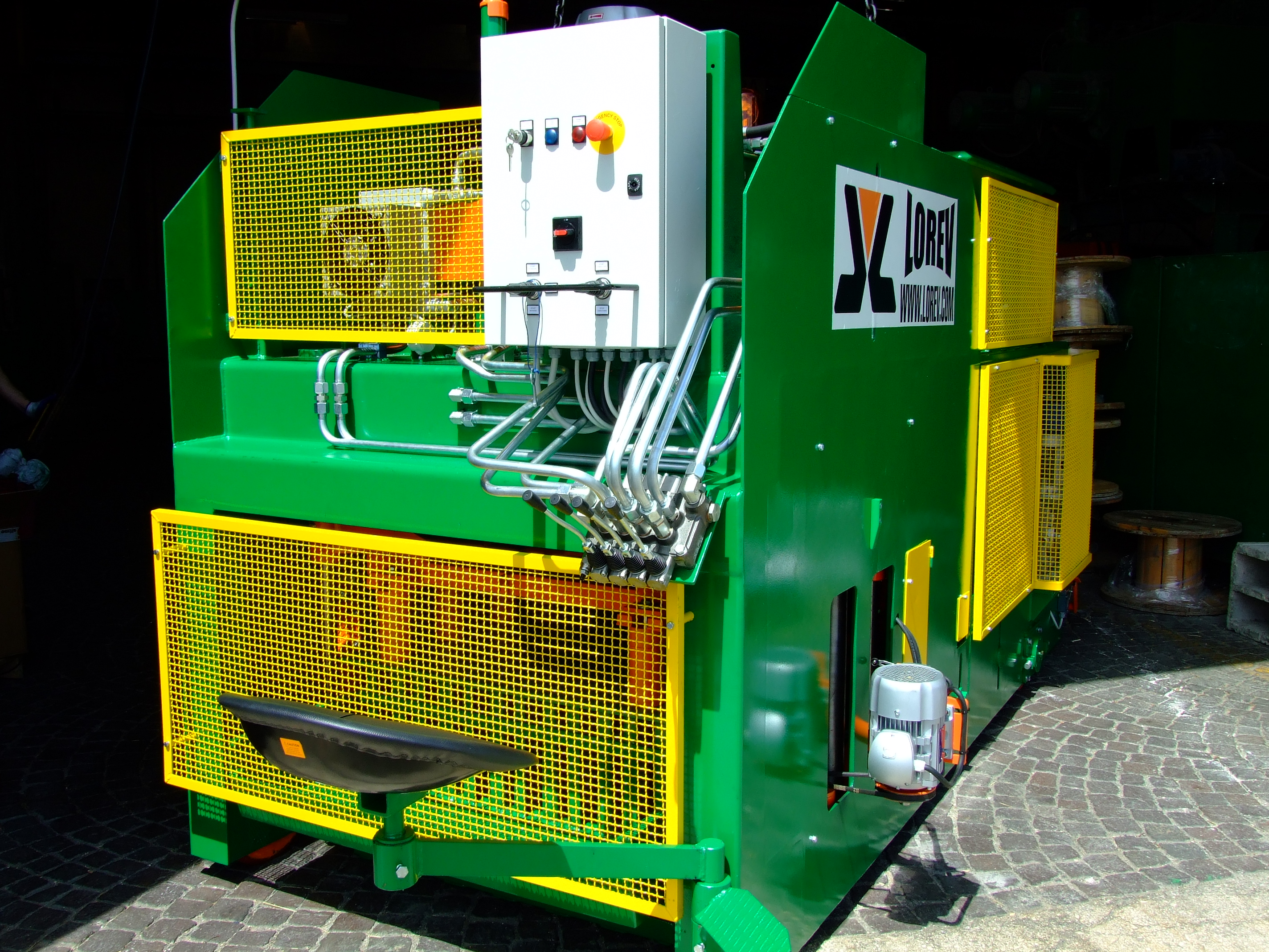 Mobile concrete block machine 1010 / CO